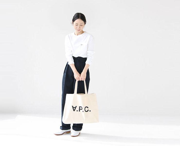 A.P.C.(アーペーセー)  刺繍入りポケット付長袖Tシャツ(25082192702)コーディネート